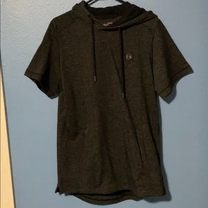 NWOT size L Under Armour Hooded Shirt